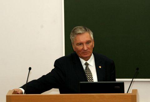Сергей Карпов