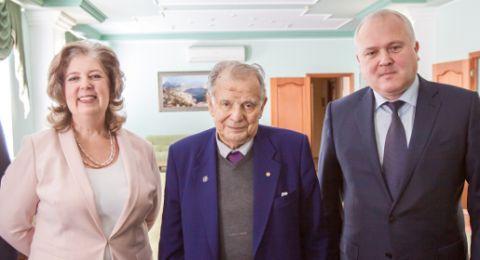 Нобелевский лауреат Жорес Алферов встретился с ректором КФУ и открыл в Севастополе заседание консультативного научного совета фонда «Сколково»