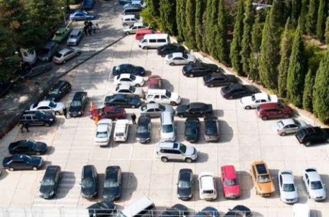 В Ялте каждый день обещают эвакуировать по 30 автомобилей