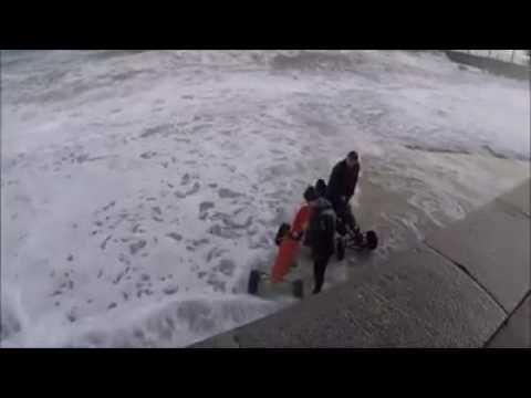 В Ялте двух мужчин на веломобилях едва не смыло в море