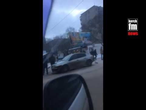 В Керчи в районе остановки «Институт» произошло ДТП