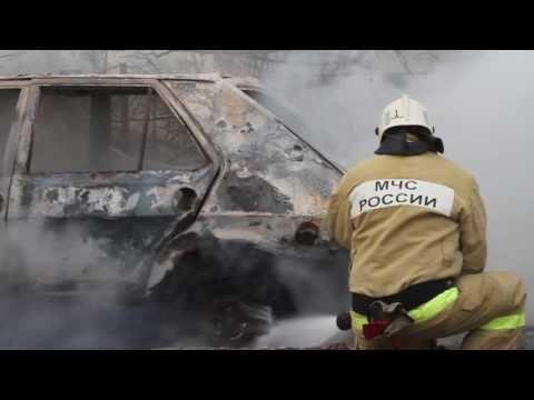 В Севастополе дотла сгорела машина