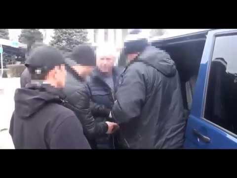 Появилось видео задержания бывшего крымского вице-премьера
