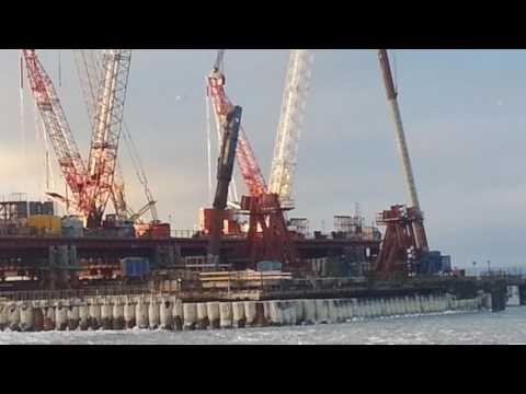 В Керченском проливе скопилась сотня судов в ожидании ледоколов
