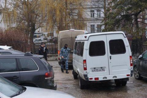 Задержанных сегодня в Симферополе крымских татар арестовали на срок от 5 до 11 суток