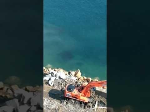 Спустя два года в Симеизе начали ремонт обрушившейся набережной