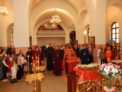 В Красноперекопском Свято-Вознесенском православном храме прошел Пасхальный фестиваль воспитанников воскресных школ