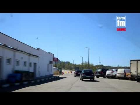 В Керчи на шоссе Героев Сталинграда частично перекрыли движение транспорта