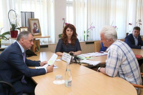 Владимир Константинов в г. Алуште провел выездной прием граждан