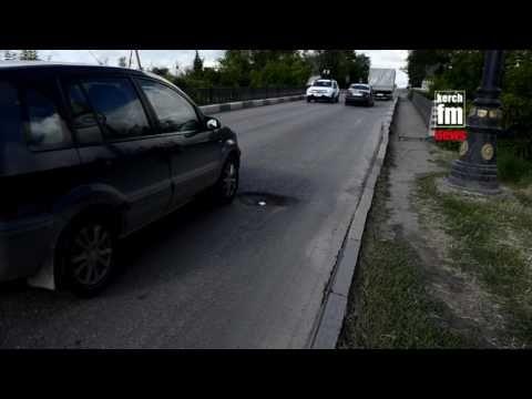 Мост на въезде в Керчь опять «трещит по швам»