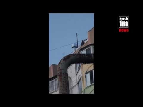 Севастопольские подростки повадились лазить на крышу Матросского клуба