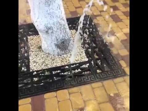 Из реконструированного центра Симферополя бьют потоки воды
