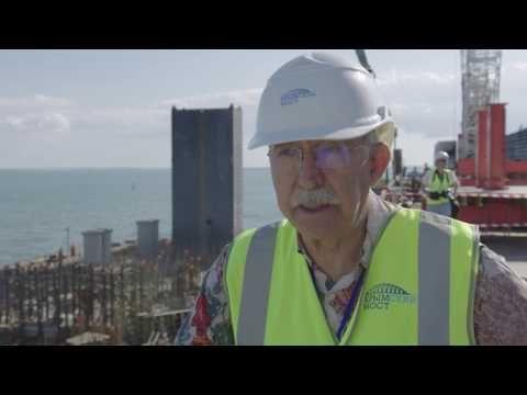 Путин: строительство моста через Керченский пролив идет с опережением