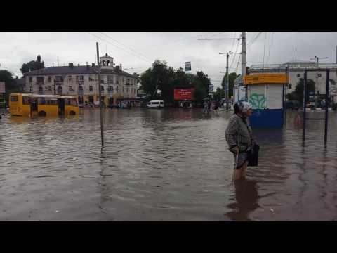 Крым в YouTube: потоп, угнанный водовоз и вода из-под плитки