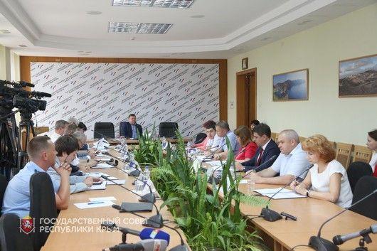 Бюджетный парламентский Комитет обсудил отчет об исполнении главного финансового документа республики за 2016 год