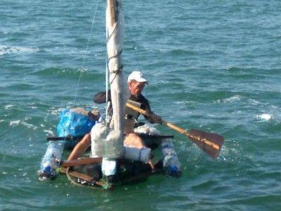 Россиянин плыл в Крым на самодельном плоту