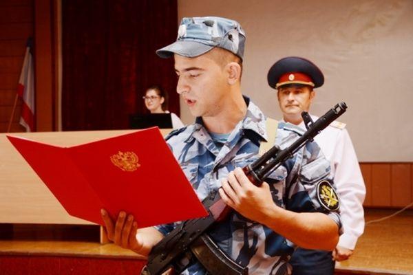 Молодые сотрудники исправительной колонии №1 приняли Присягу