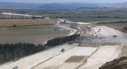 Строители трассы Дубки – Левадки подготовили ещё один участок под асфальтирование