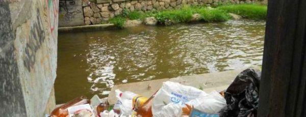 Волонтеры уберут мусор на набережной Салгира - власти Симферополя обещают помочь