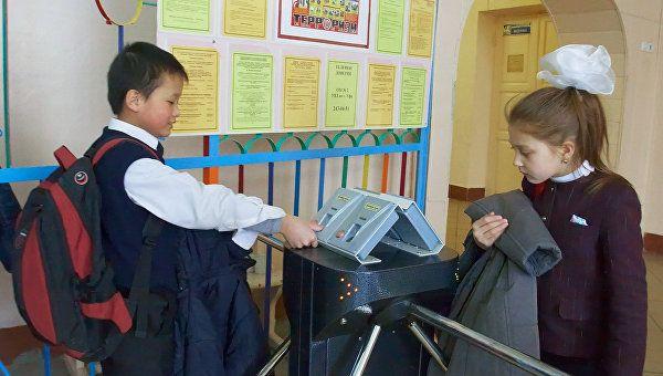 В Симферополе потратят 165 млн на охрану в детсадах и школах