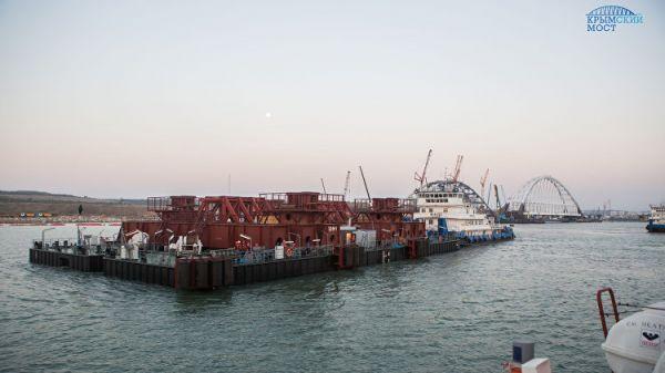 Для монтажа арок Крымского моста строители попросили резервное время из-за непогоды