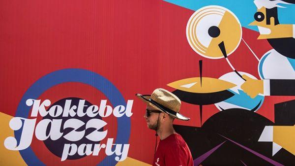 Путин посетил джазовый фестиваль вКоктебеле