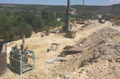 Симферополь продолжается ремонт: Наоткрытом для машин участке дороги  Севастополь