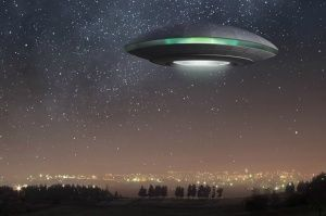 В небе над Феодосией увидели НЛО