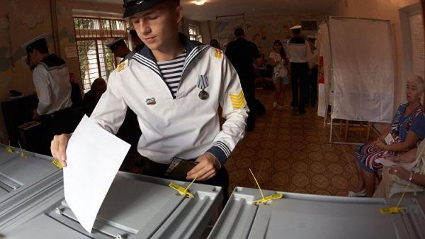 Французские политики постят в Твиттер  фото выборов губернатора вСевастополе