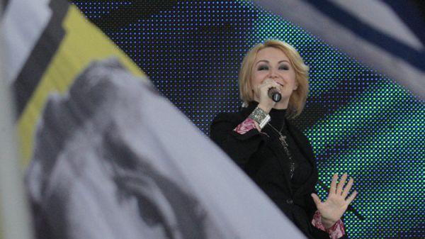 Попавшая вбазу «Миротворца» Катя Лель выступила вЛуганске