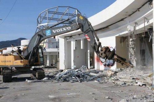 Открыт новый сезон на демонтаж зданий и сооружений в Крыму