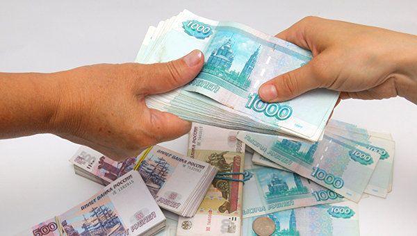 Сотрудникам двух евпаторийских предприятий задолжали более 3 млн рублей