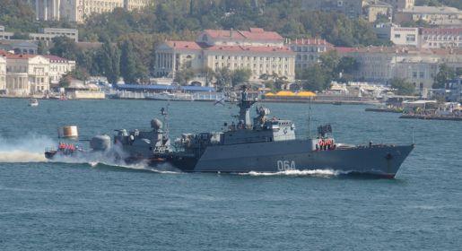 Корабли Черноморского флота вышли в море для боевой подготовки