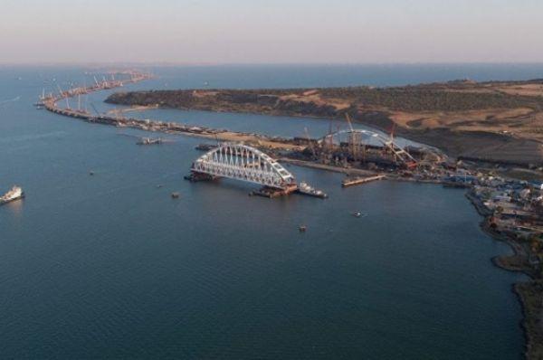 Строительство Крымского моста ограничит судоходство в Керченском проливе