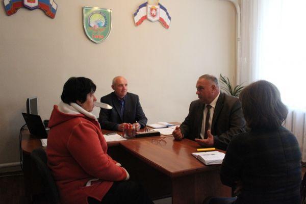 Выездной прием граждан провел Глава Администрации района Василий Грабован в селе Клепинино