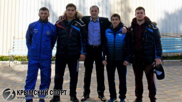В Алуште стартовали тренировочные занятия юниорской сборной России по греко-римской борьбе