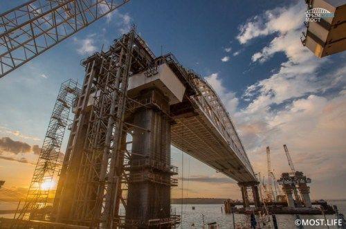 Официальная готовность Крымского моста составляет всего 40 процентов