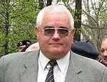 Отец Аксенова хочет выселить подчиненных Аксенова
