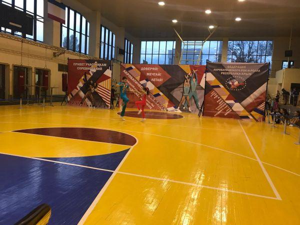В Симферополе состоялся рейтинговый турнир по акробатическому рок-н-роллу