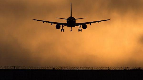 Самолет из столицы экстренно сел вОдессе из-за вероятной взрывчатки наборту