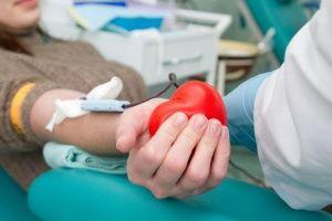 У студентов Крыма слили тридцать литров крови