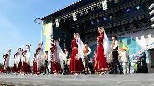 «Хайтарма» удивит крымчан пуантами и акробатикой