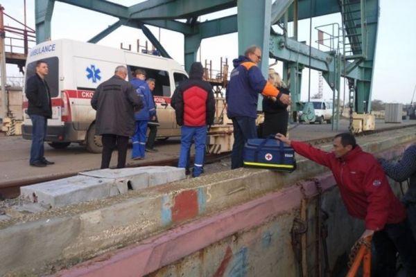 ВКрыму работники МЧС спасли капитана судна под флагом Палау