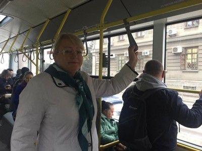 Крымские министры поехали на работу на троллейбусах