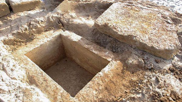 Наберегу Евпатории обнаружили древнегреческое захоронение