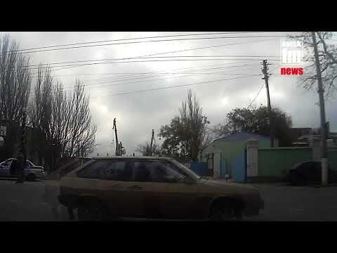 В Керчи ГИБДД и автоматчики останавливают машины