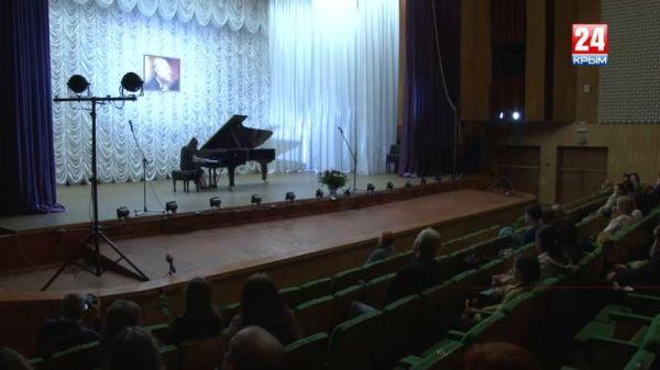 Итоги XI Международного конкурса молодых пианистов им. А. Караманова подвели в Симферополе