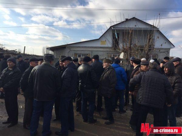 На похороны Веджие Кашки собрались тысячи людей