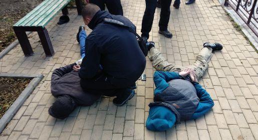 Наркодилера задержали во время сбыта крупной партии «марок»