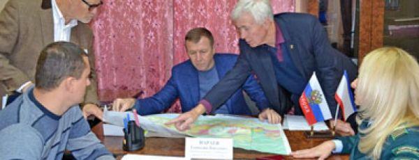 Члены Совмина Крыма провели прием граждан в Кореизе и Алупке